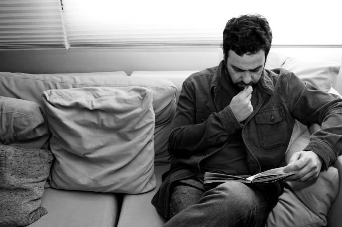 """""""Escrever deve ser assim: o futuro precisa ser incerto, sempre"""", Flavio Cafiero em Entrevista"""